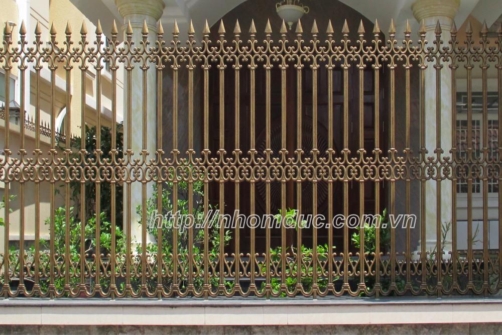 các mẫu hàng rào nhôm đúc chỉ từ 4 triệu hàng rào đơn giản đến hàng