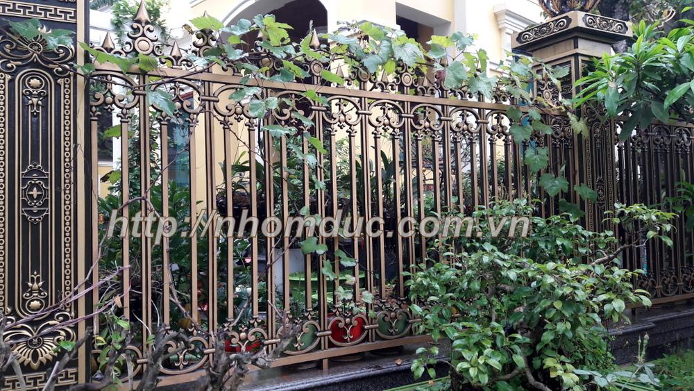 Báo giá cửa cổng nhôm đúc hợp kim cho nhà phố biệt thự