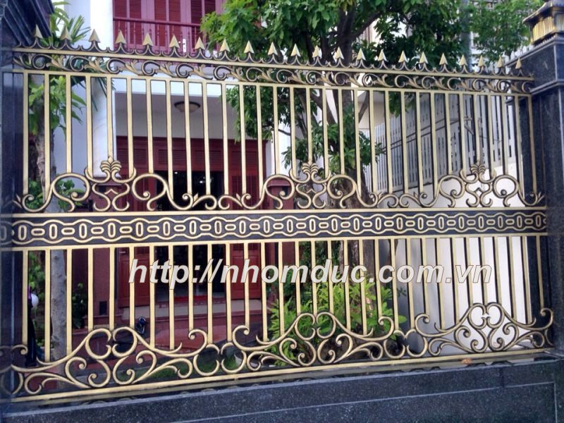 mẫu hàng rào nhôm đúc cực ấn tượng cho biệt thự cổ điển đẹp