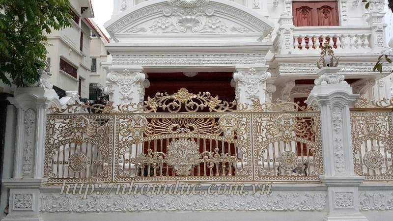 Cửa cổng hàng rào nhôm đúc, Hàng rào nhôm đúc