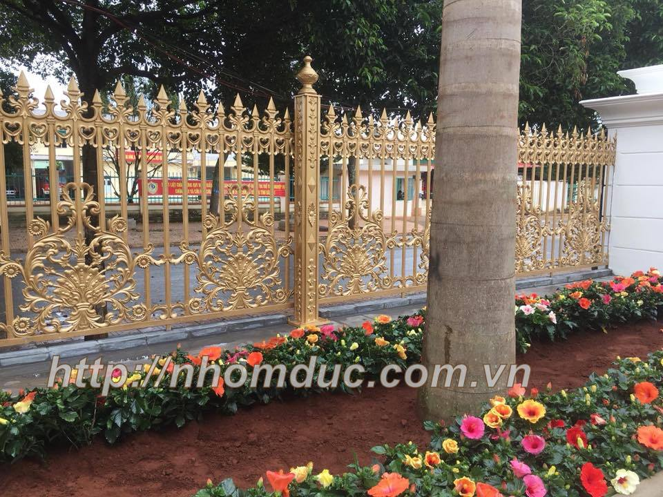 Sản xuất hàng rào nhôm đúc đẹp