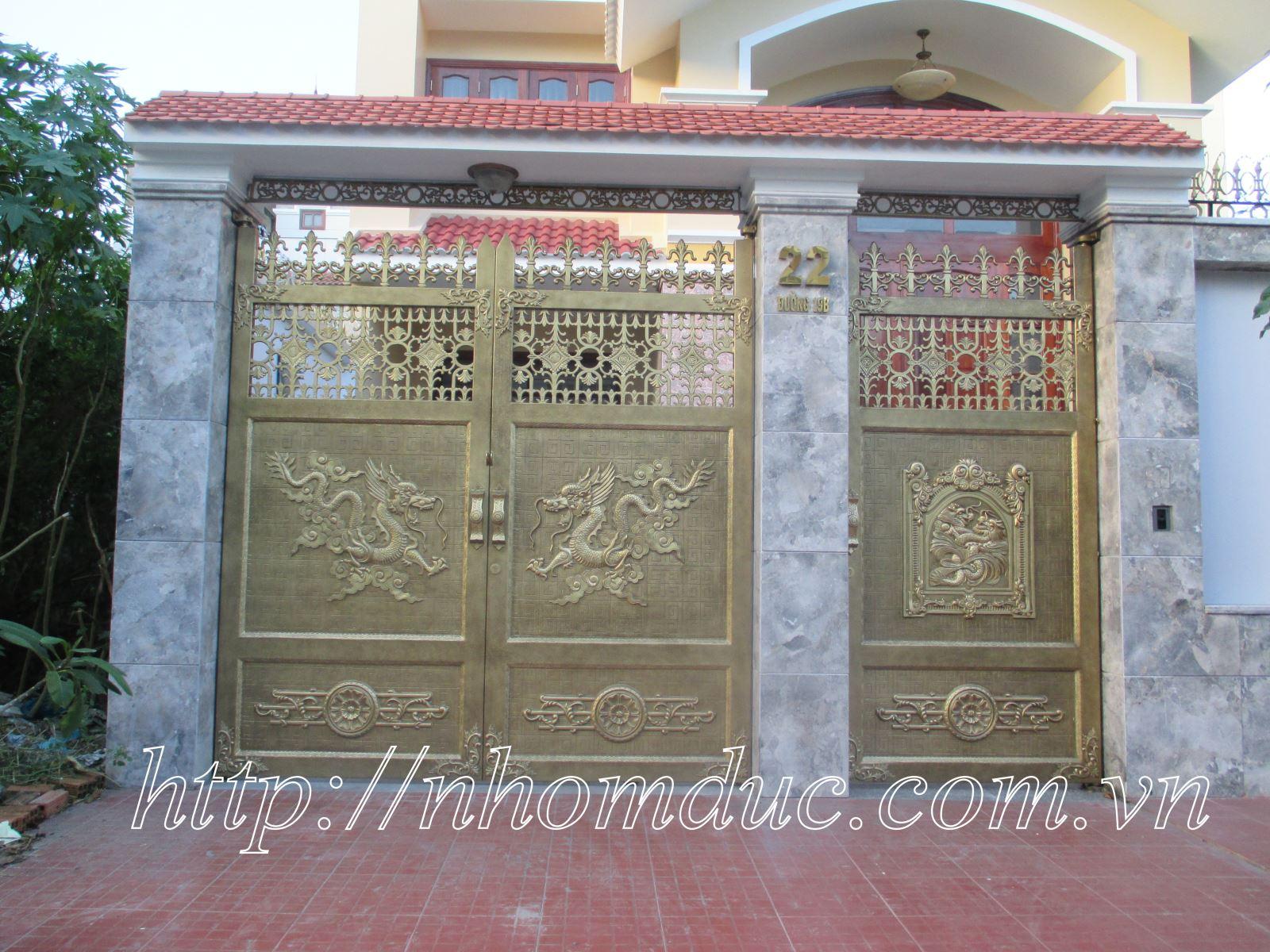 Cửa nhôm đúc, Là Loại cửa đúc bằng hợp kim nhôm, bền đẹp,mẫu mã sang trọng, cửa. Trang chủ sản phẩm Sản phẩm nhôm đúc Cổng nhôm đúc biệt thự