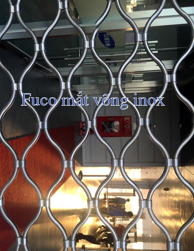 Cửa cuốn mắt lưới, cửa cuốn mắt võng được cung cấp và lắp đặt bởi fuco, liên hệ để biết thêm chi tiết.