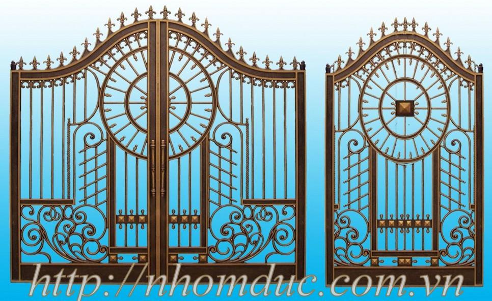 đa phần cửa cổng nhôm đúc phải đạt độ dày tối thiểu 18-35mm đố cửa 60-100mm độ dày mỏng tùy vào cửa lớn nhỏ mà sẽ có kích thước chính xác hơn