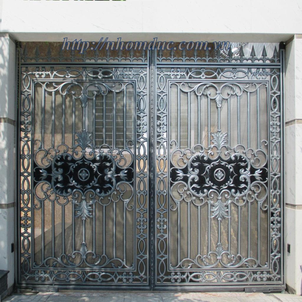 Mẫu cửa nhôm đúc GAT 103, cửa cổng nhôm đúc Fuco mẫu mã đẹp, sản xuất công nghện Nhật Bản, sơn tĩnh điện cao cấp. Cửa nhôm đúc chất lượng cao nhất