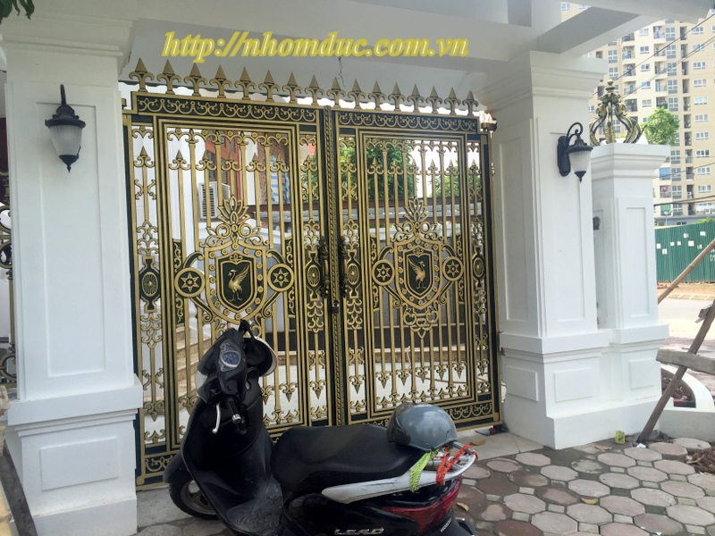 Cửa nhôm đúc dạng kín Hà Nội, Chúng tôi chuyên sản xuất, lắp đặt, thi công các loại: Cổng nhôm đúc, cổng biệt thự.