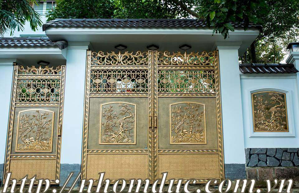 Sự khác biệt giữa cổng nhôm đúc và cổng gang đúc